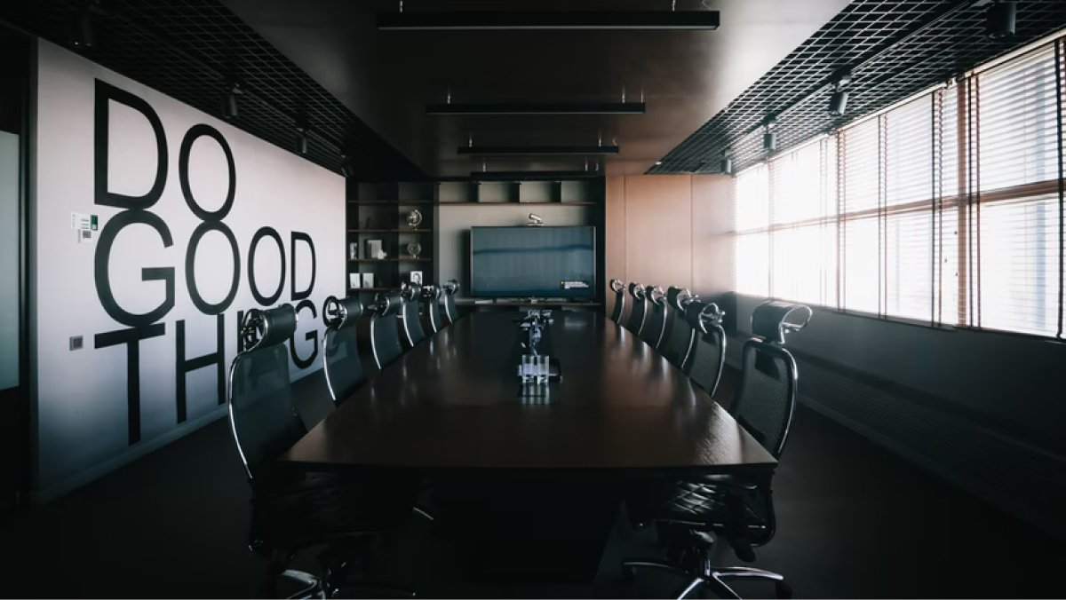 Meetings don't need meeting rooms